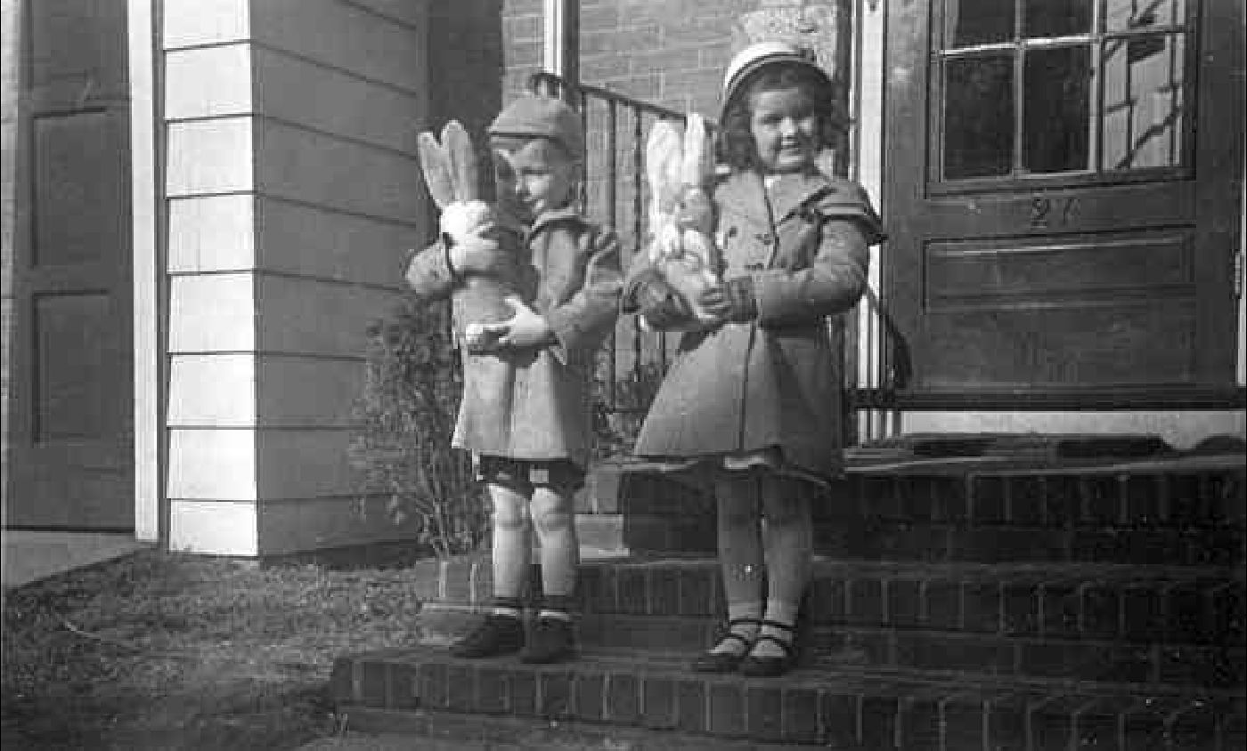 Children in Dorchester at Easter 1950